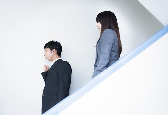 CL1012_kaidanoriruhutari20140830114841500